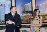 Президент Азербайджана Ильхам Алиев и первая леди Мехрибан Алиева