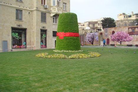 Самое большое сямяни в Баку у Девечьей башни