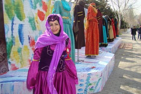 Выставка национальной одежды, организованная в Национальном парке по случаю Новруз байрам