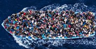 Нелегальные мигранты отправляются в Европу через Средиземное море