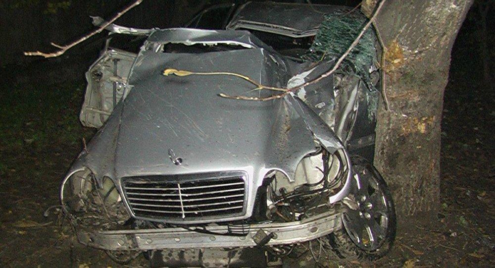 Mercedes qəza