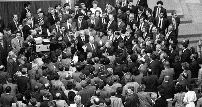 SSRİ xalq deputatlarının birinci qurultayı