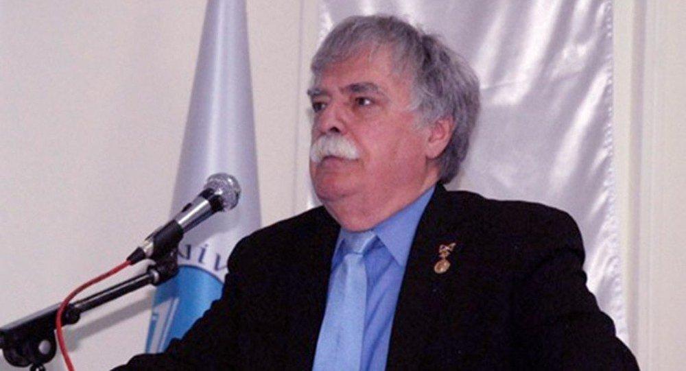 Professor Castin Makkarti
