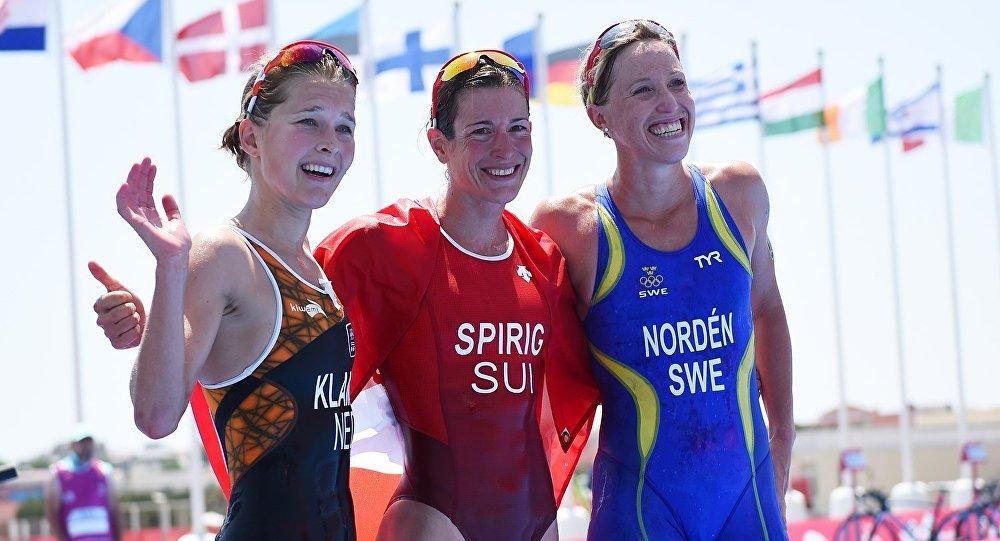 Qadınlar arasında triatlon üzrə yarışın qalibləri