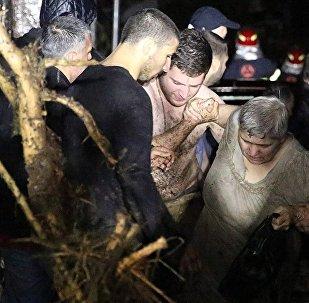 Наводнение в Тбилиси - Спасательные работы