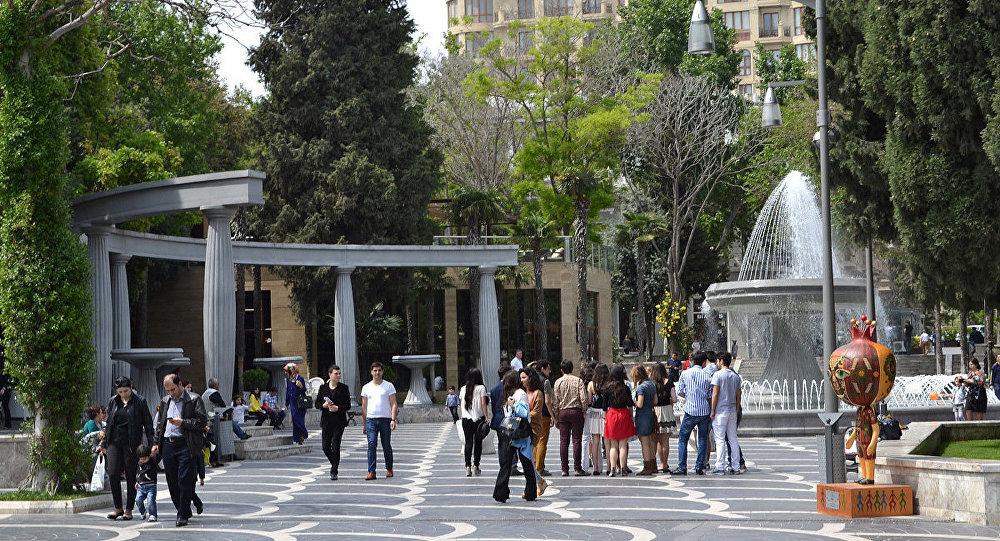 Bakı Fəvvarələr meydanı