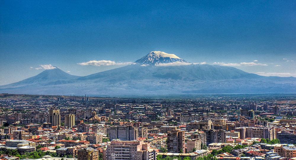 Ermənistanda seçki bitdi - Amerikadan gəlmiş diaspor üzvü hakimiyyəti ifşa etdi