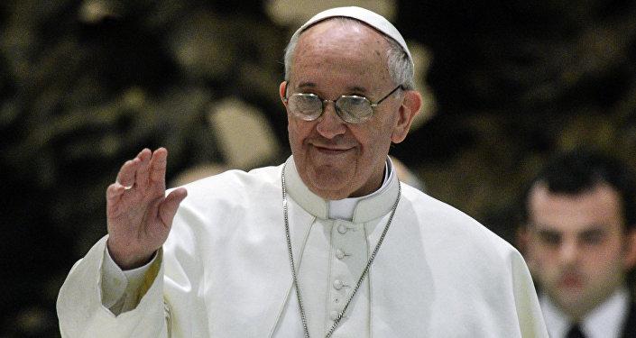 Президент Алиев назвал историческим визит папы Франциска встолице Азербайджана