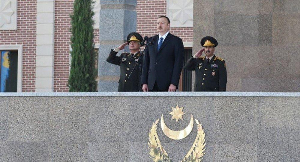 İlham Əliyev - Ali baş komandan