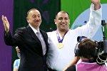 İlham Əliyev və paralimpiyaçı İlham Zəkiyev