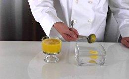 Молекулярная яичница из манго и кокосового сока