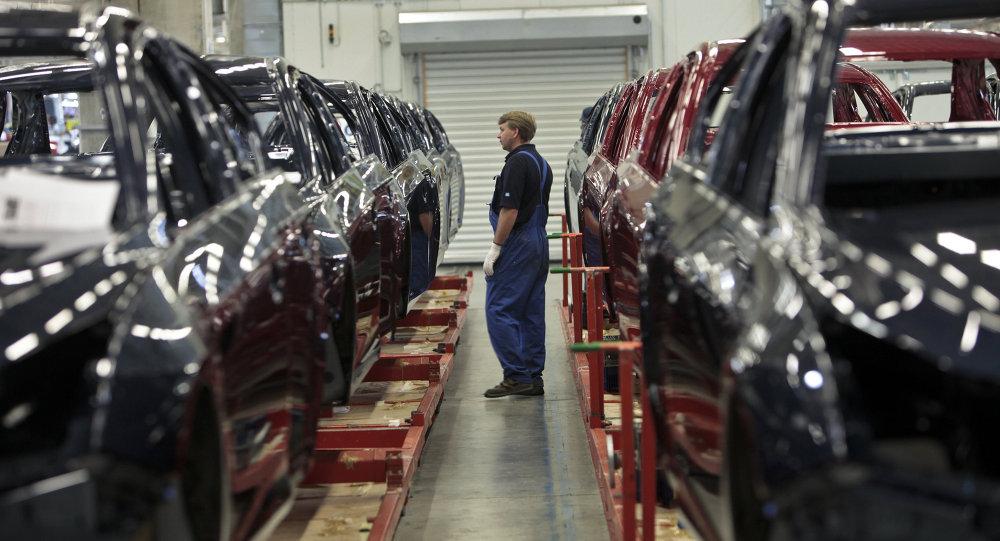 Начало производства малогабаритных автомобилей Opel Astra на заводе General Motors в производственной зоне Шушары-2 Санкт-Петербурга