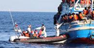 Операция в Средиземном море: итальянцы спасли тысячи беженцев у берегов Ливии