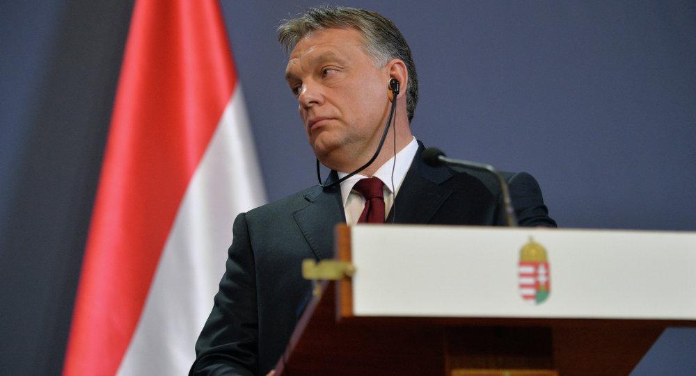 Премьер Венгрии предложил сделать вЛивии город для беженцев