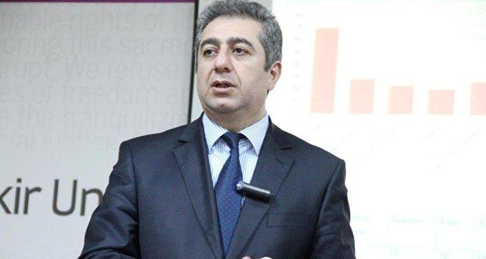 Qubad İbadoğlu - İqtisadi Tədqiqatlar Mərkəzinin rəhbəri