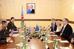Встреча министра обороны Азербайджана Закира Гасанова с делегацией, возглавляемой спецпредставителем ЕС по Южному Кавказу Гербертом Сальбером