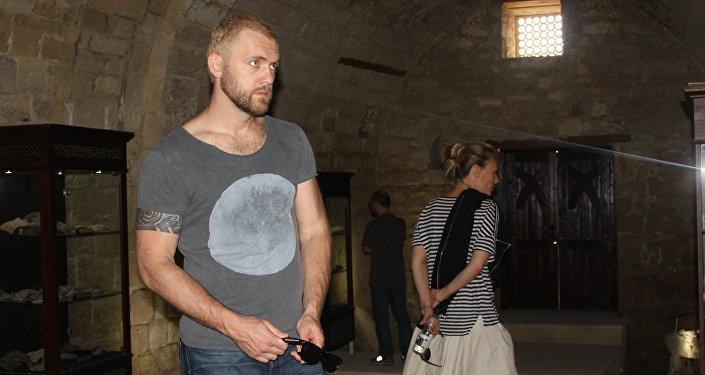 Прогулка российских актеров в Баку