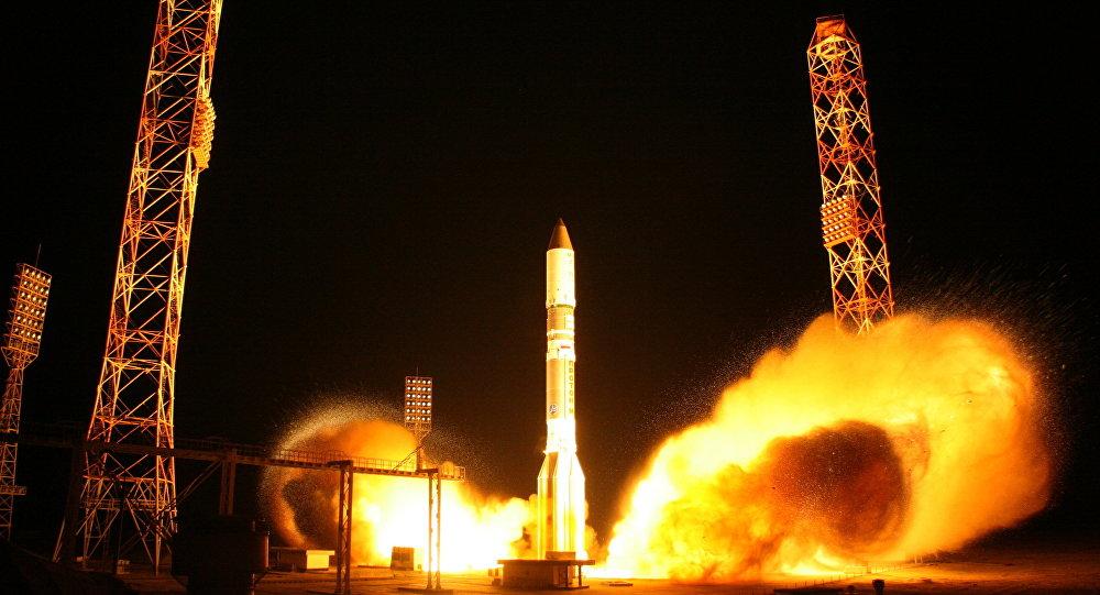 Запуск ракеты-носителя Протон-М со спутником связи Астра-2Е