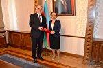 Министр иностранных дел Азербайджана Эльмар Мамедъяров принял новоназначенного посла Франции в Азербайджане Аурелию Буше.