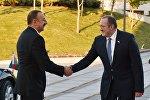 Церемония официальной встречи президента Азербайджана Ильхама Алиева в Тбилиси