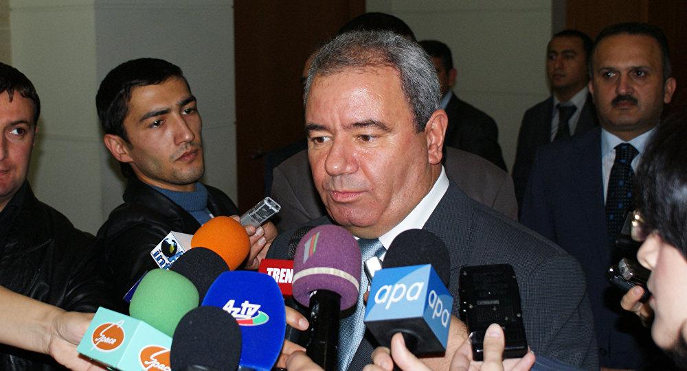 Министр связи и ИКТ Али Абасов