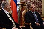 Kiprin xarici işlər naziri İohannis Kasulidis və Rusiyanın xarici işlər naziri Sergey Lavrov