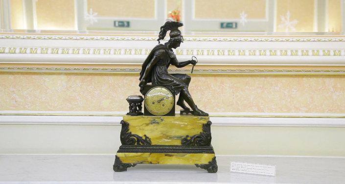 Редкие часы из коллекции Нурсултана Назарбаева выставили в Астане