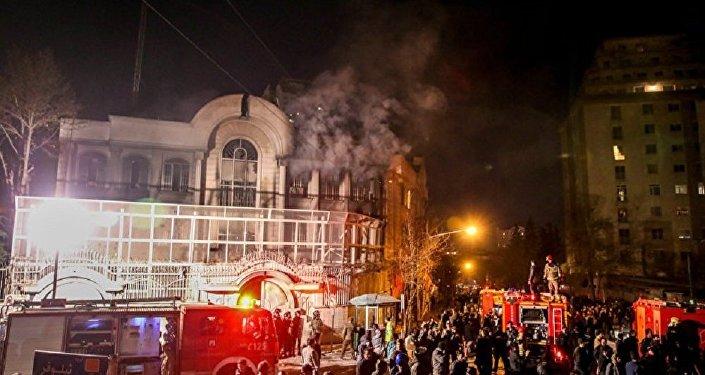 Беспорядки перед посольством Саудовской Аравии в Тегеране