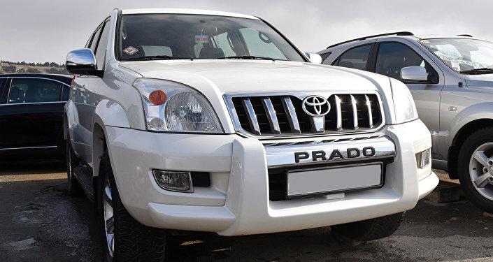 Автомобиль марки Toyota Prado