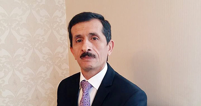 Азер Рашидоглу, политолог