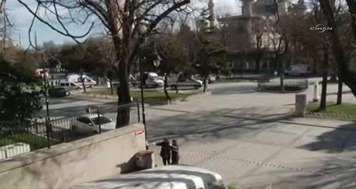 Первые кадры с места взрыва возле площади Султанахмет в центре Стамбула