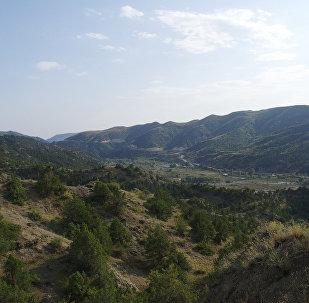 Вид на оккупированный город Лачын