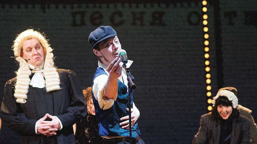 В опере поют драматические актеры