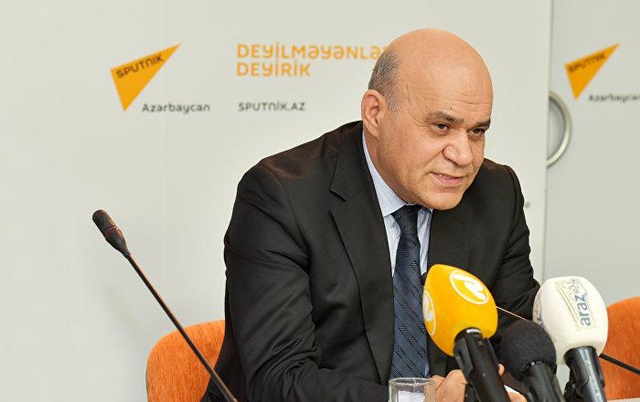 Иса Алиев в пресс-центре агентства Sputnik