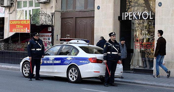 Сотрудники ДПС в Баку