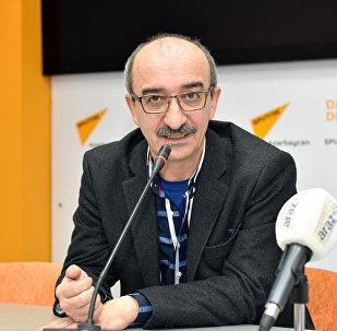 Азад Исазаде, психолог