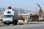 Автомобили КАМАЗ на одной из абшеронских дорог, архивное фото