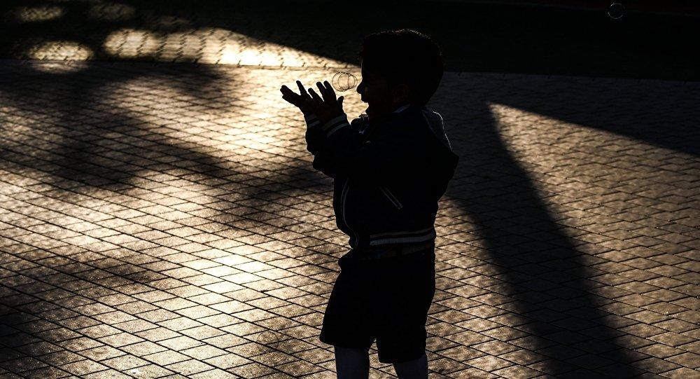 Kimsəsiz uşaq, arxiv şəkli