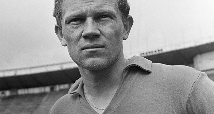 Futbol üzrə SSRİ yığmasının üzvü Anatoli Banişevski. 1966-cı il.