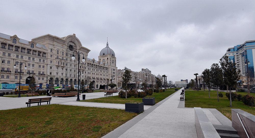 Пасмурная погода в Баку, архивное фото