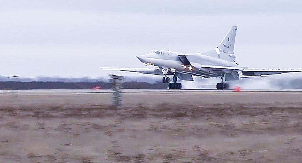 Боевой вылет дальних бомбардировщиков Ту-22М3 по объектам террористов в Сирии. Архивное фото