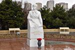 Памятники женщинам в Баку