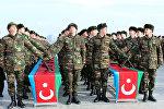 Azərbaycan ordusunun əsgərlərinin and içmə mərasimi. Arxiv şəkli