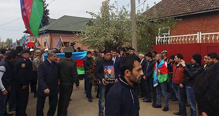 Azərbaycan daha bir şəhid övladını torpağa tapşırdı