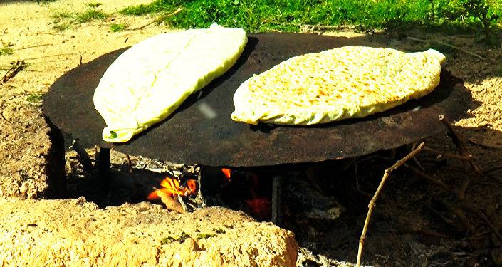 Рецепт карабахской кяты с зеленью