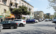Парковка на улице в Баку, архивное фото