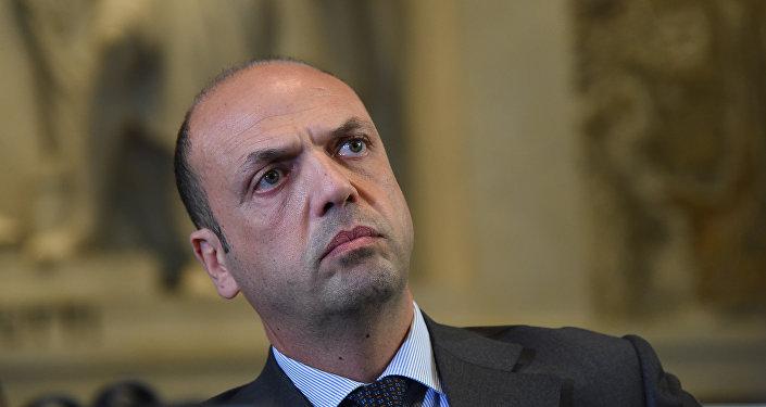 Angelino Alfano, İtaliya xarici işlər naziri