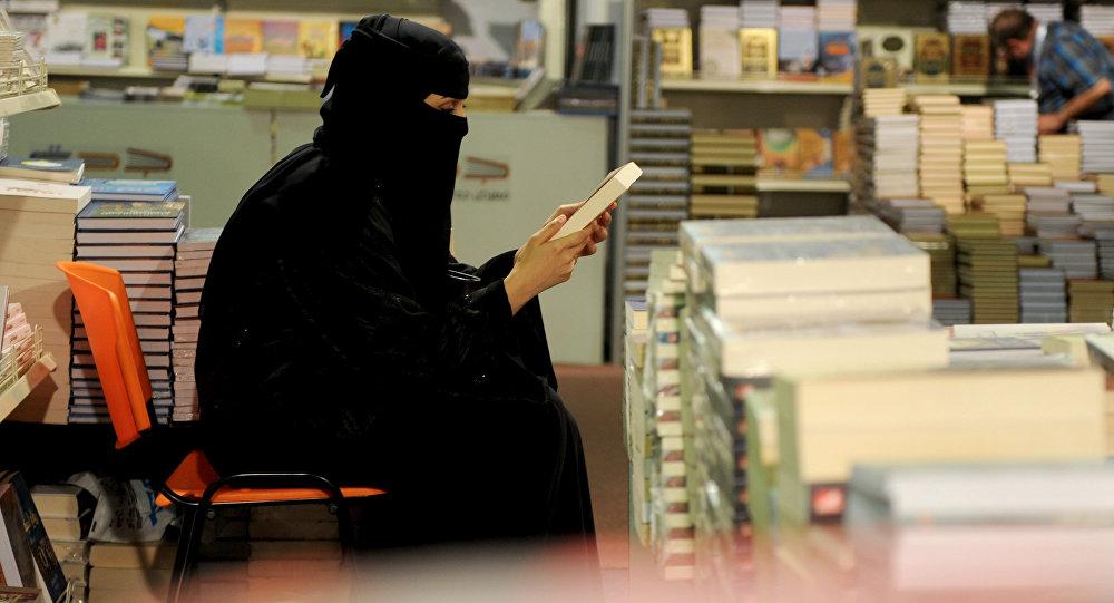 Саудовская Аравия примет женщин старше 25 лет без мужчин