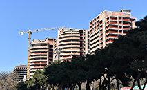 Стройка многоэтажных домов в Баку