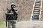 Солдат азербайджанской армии на боевом посту. Архивное фото